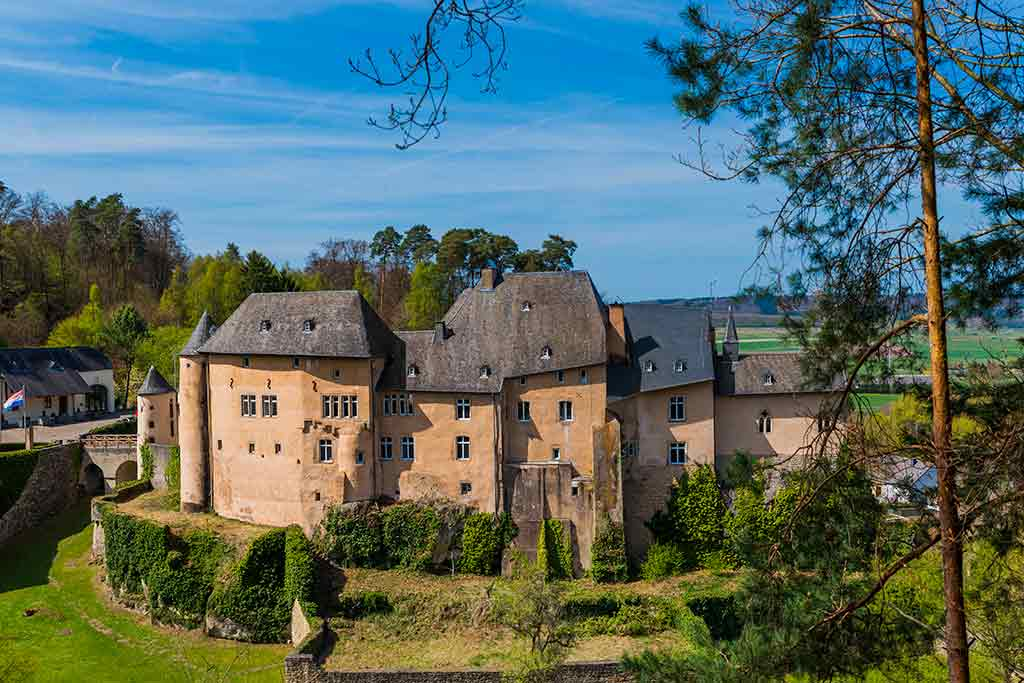 Castles in Luxembourg Bourglinster-Castle