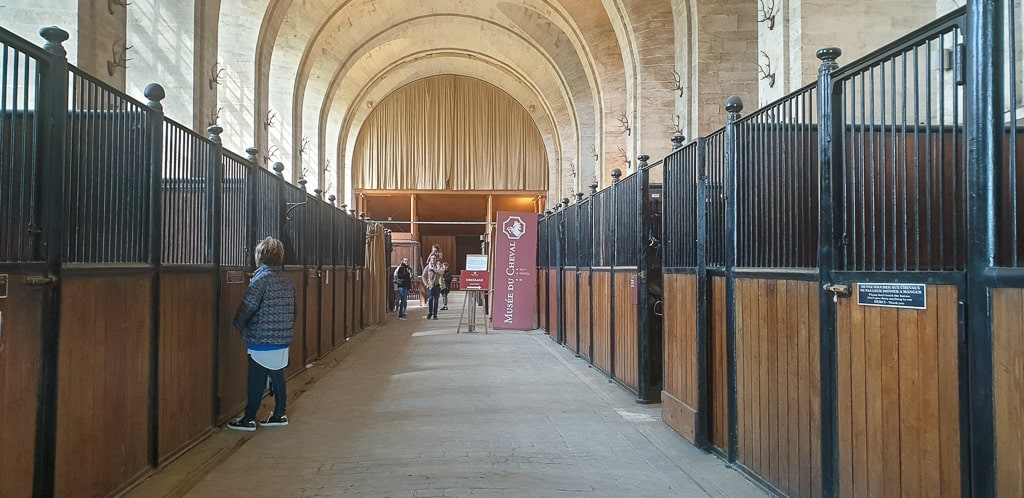 Chantilly Castle -stables