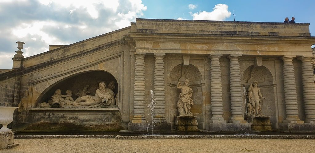Chantilly Castle day trip from Paris - the gardens