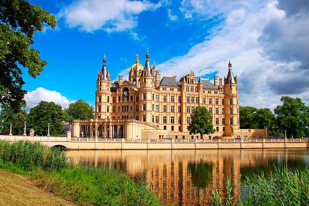Famous Castles in Germany Schwerin-Castle