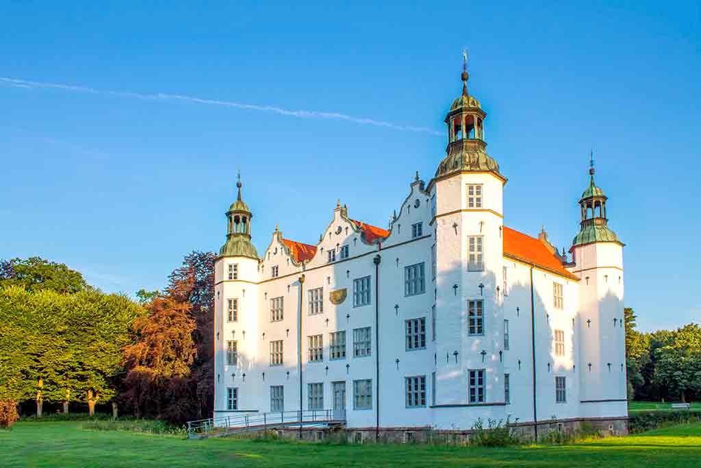 Castles in Germany Ahrensburg-Castle