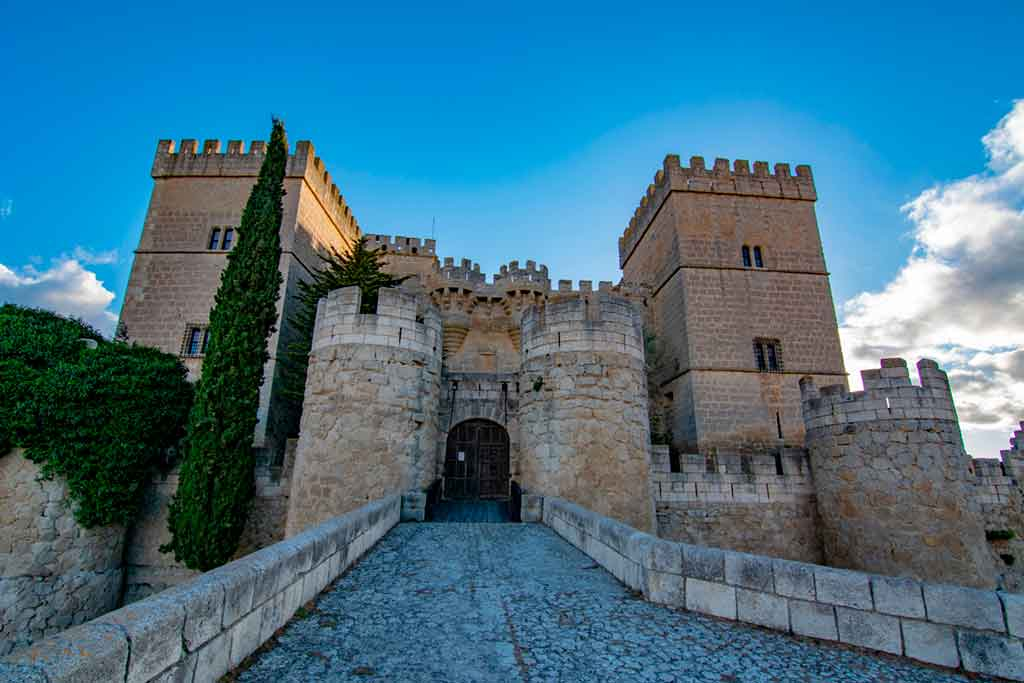 Best Spanish Castles Ampudia-Castle
