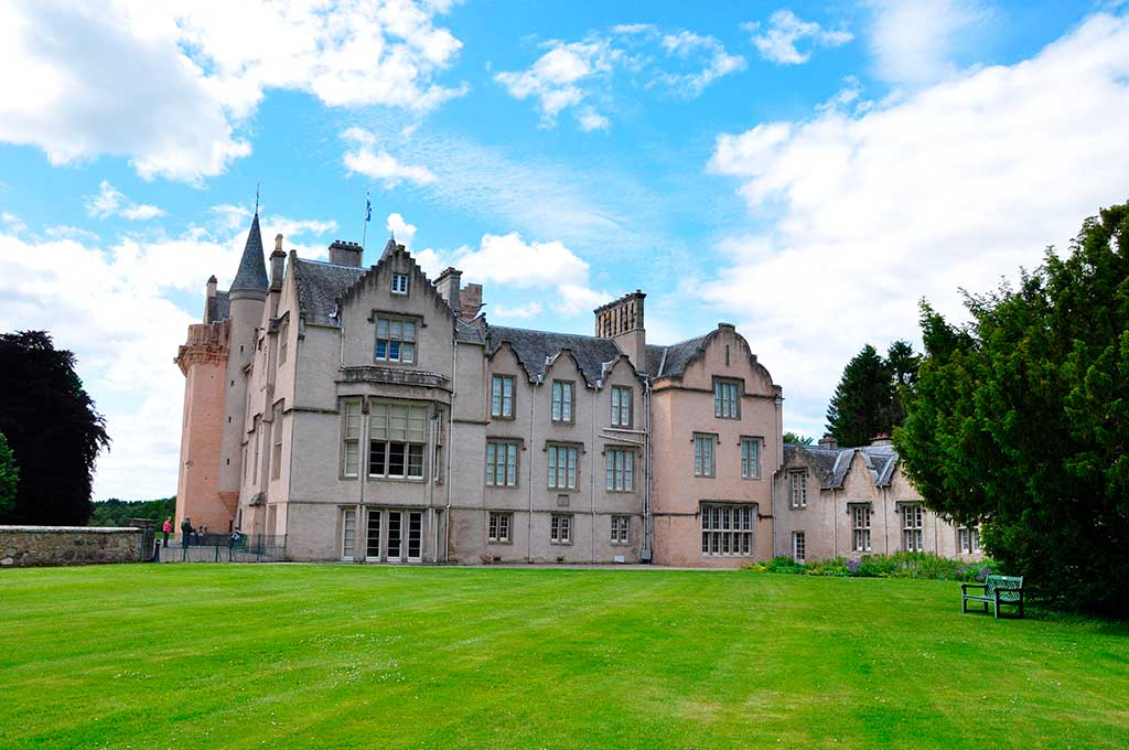 Famous Castles in Scotland BRODIE-CASTLE