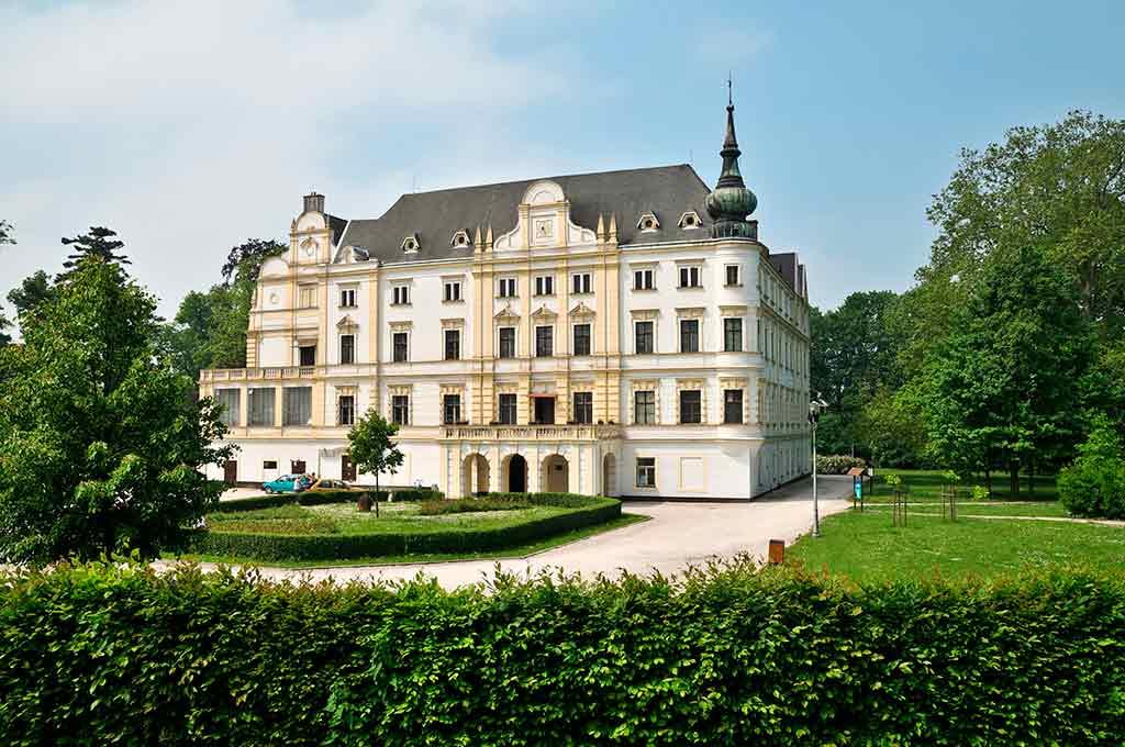 Czech Castles Bartosovice Chateau