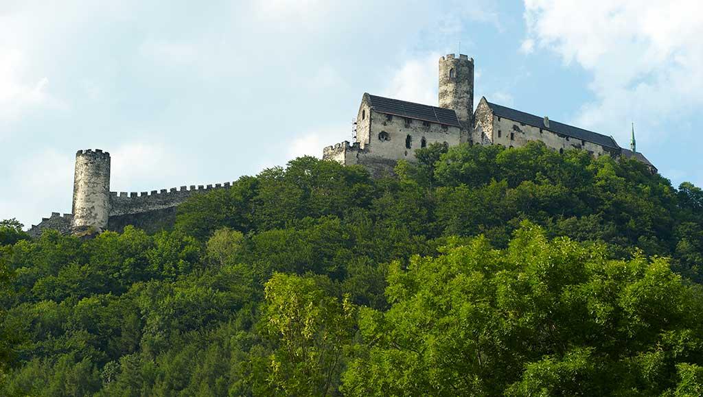Famous Castles in Czech Bezdez Castle