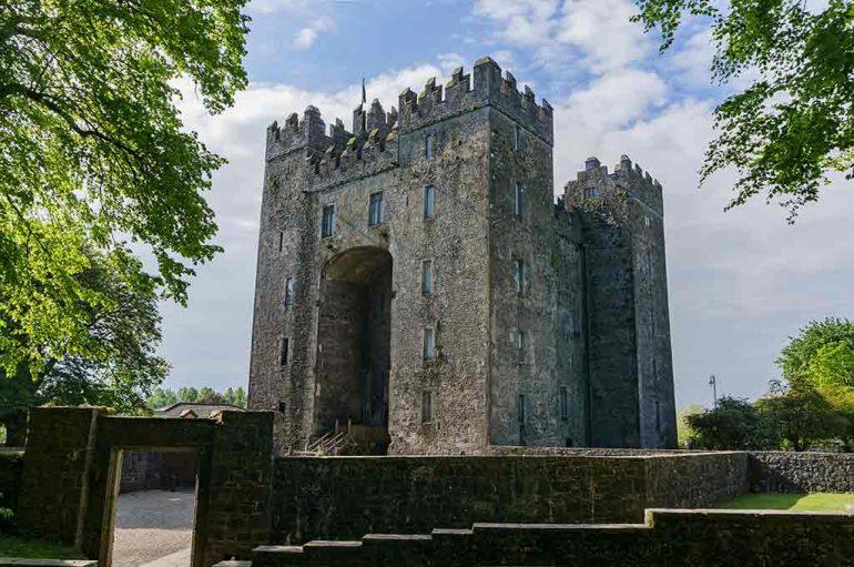 Best Castles in Ireland Bunratty-Castle