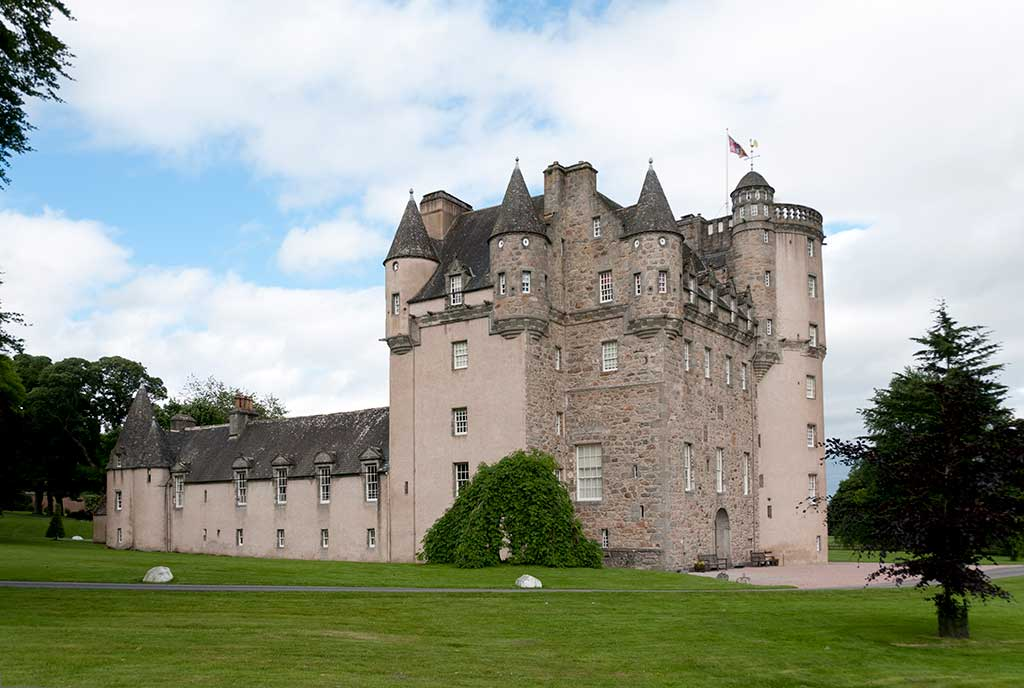 Castles in Scotland CASTLE-FRASER