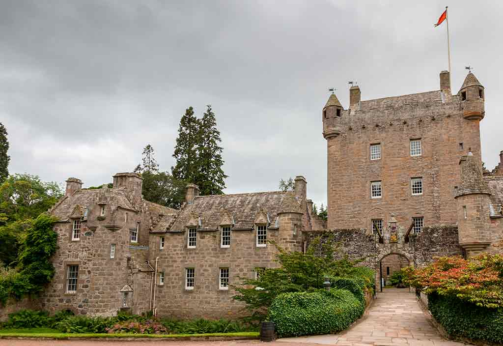 Best Scottish Castles CAWDOR-CASTLE