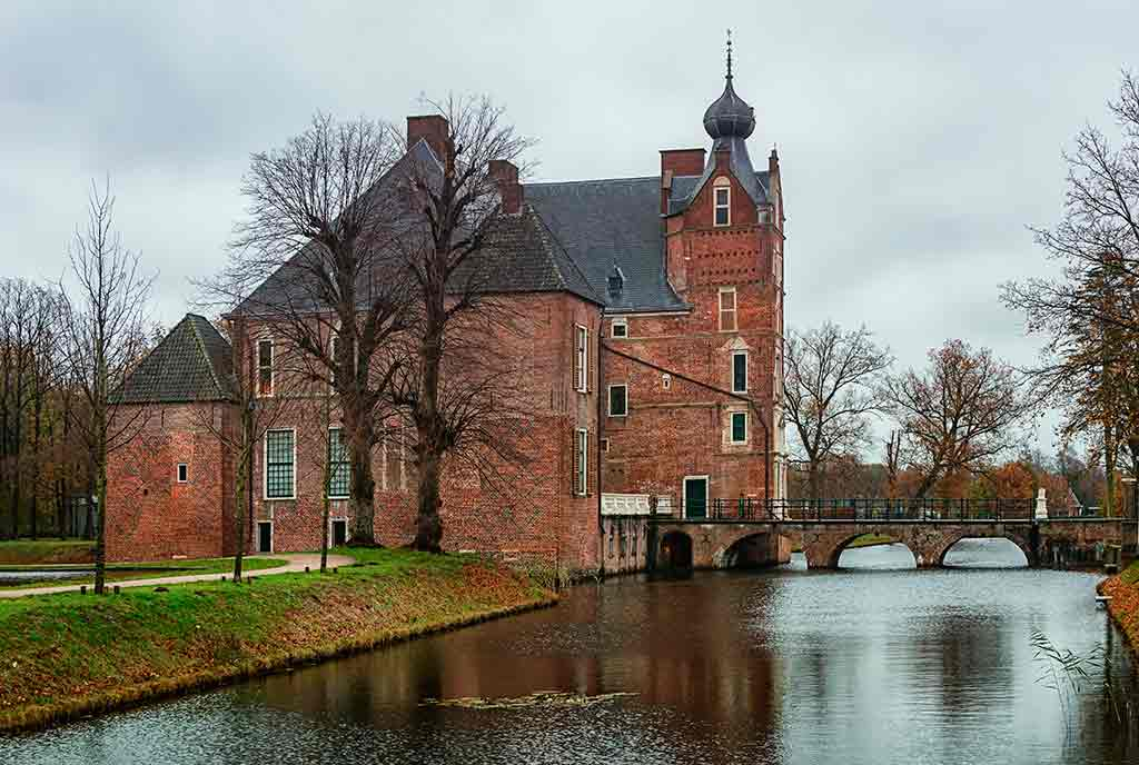 Famous Castles in Netherlands Cannenburgh-Castle