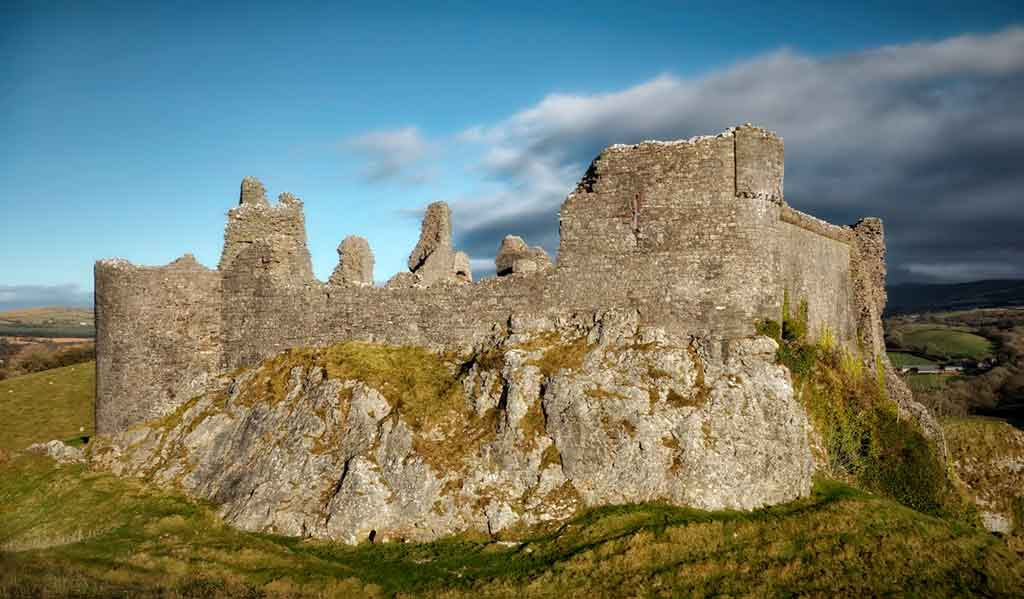 Medieval Castles Carreg-Cennen-Castle