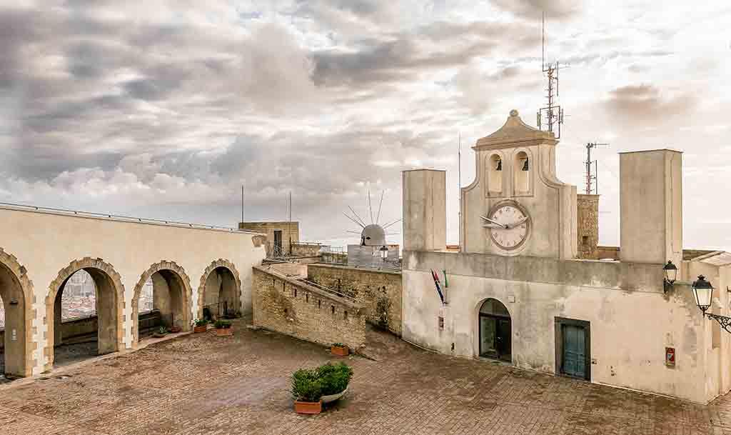 Best Italian Castles Castel-Sant'Elmo
