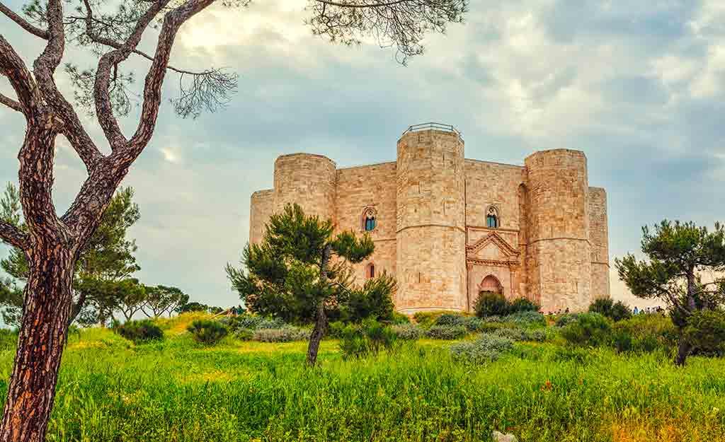 Best Castles in Italy Castel-del-Monte