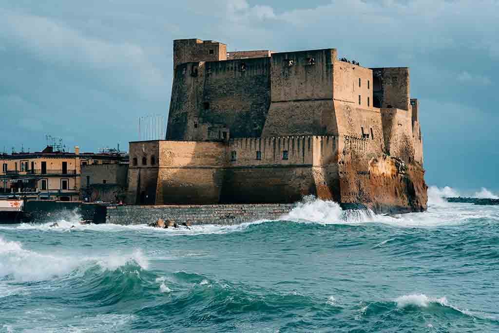 Famous Castles in Italy Castel-dell'Ovo