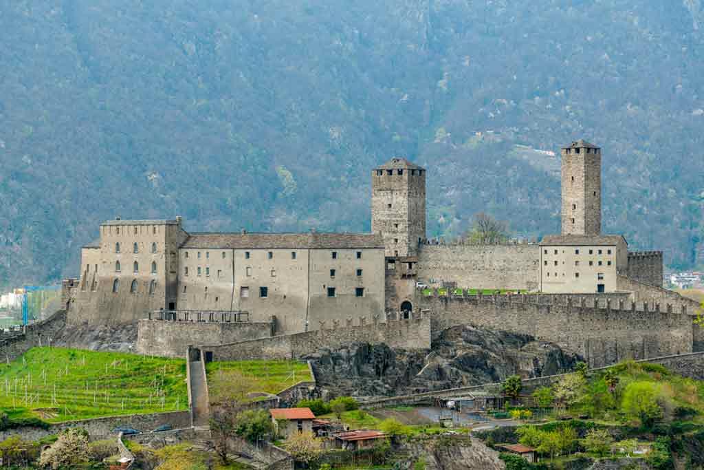 Swiss Castles Castelgrande