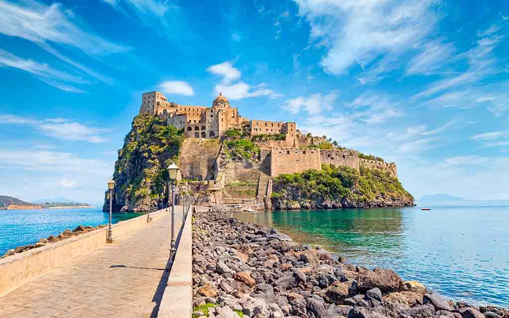 Castles in Italy Castello-Aragonese