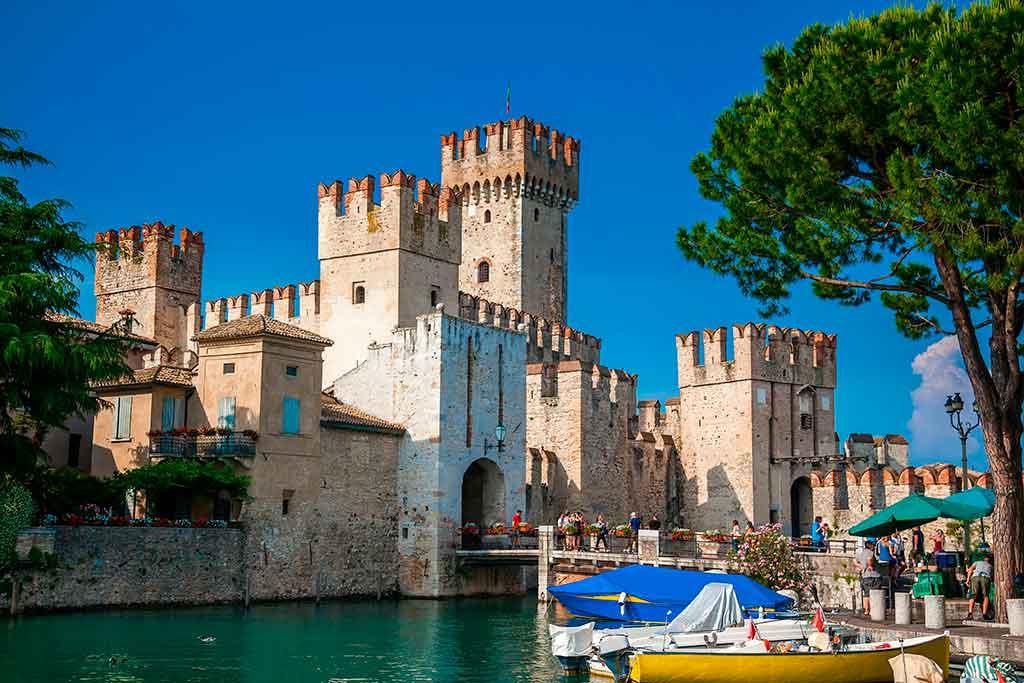 Italian Castles Castello-Scaligero