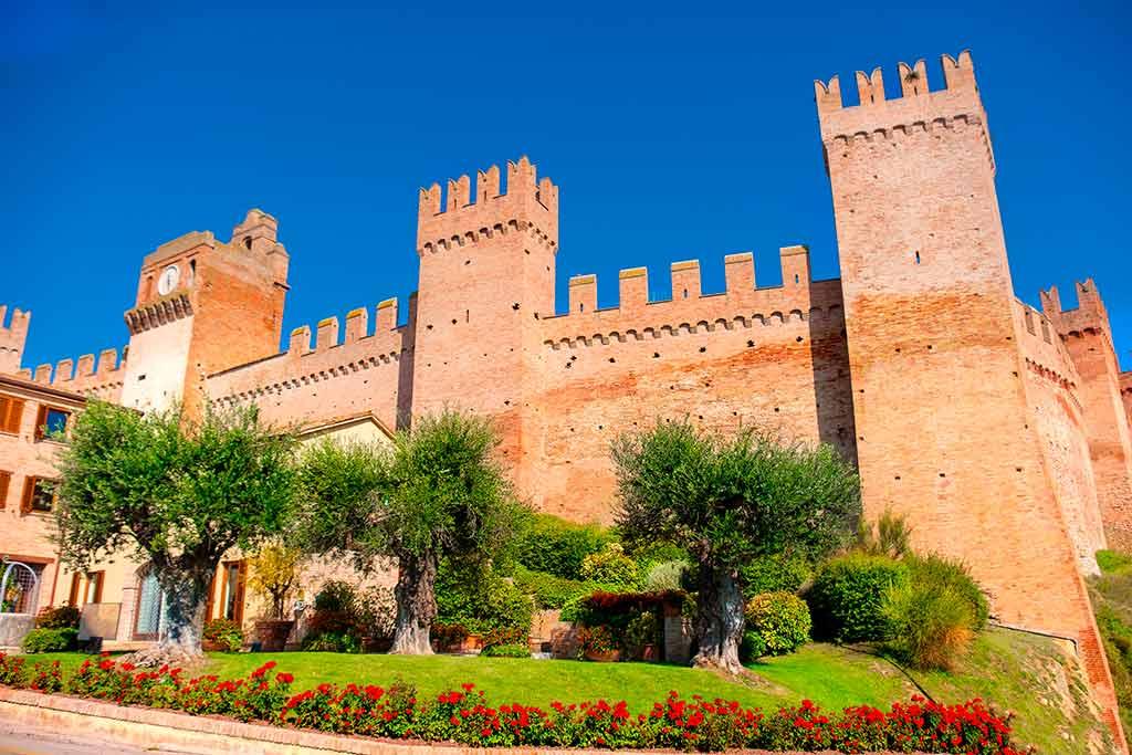 Best Castles in Italy Castello-di-Gradara