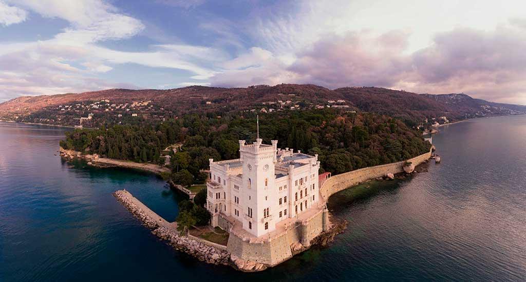 Castles in Italy Castello-di-Miramare