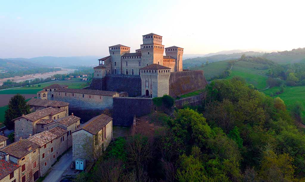 Italian Castles Castello-di-Torrechiara