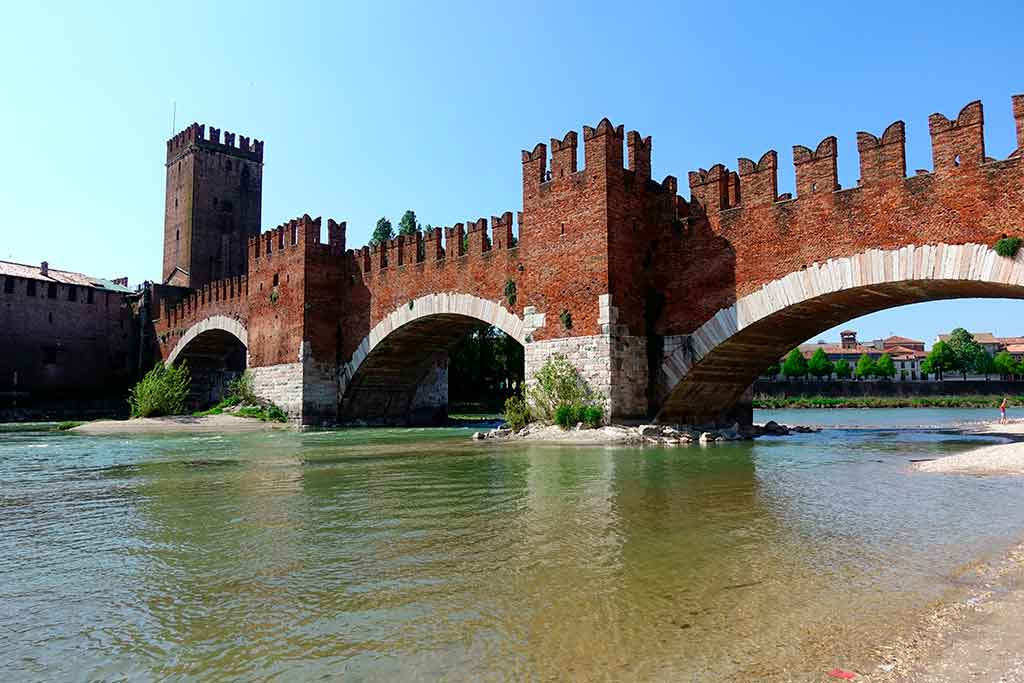 Castles in Italy Castelvecchio