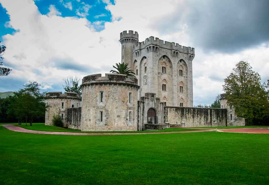 Famous Castles in Spain Castillo-de-Arteaga
