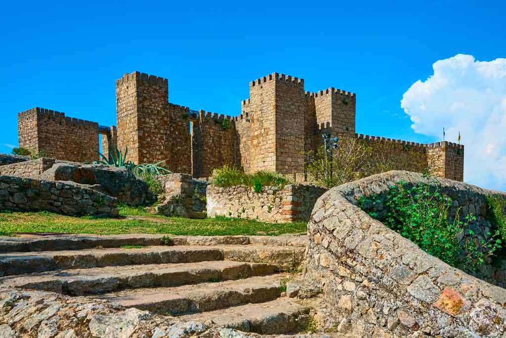 Famous Castles in Spain Castillo-de-Trujillo
