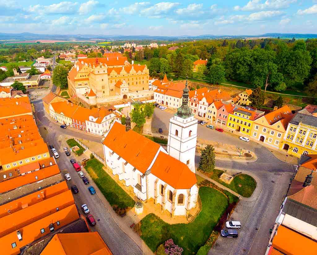 Castles in Czech Horsovsky-Tyn
