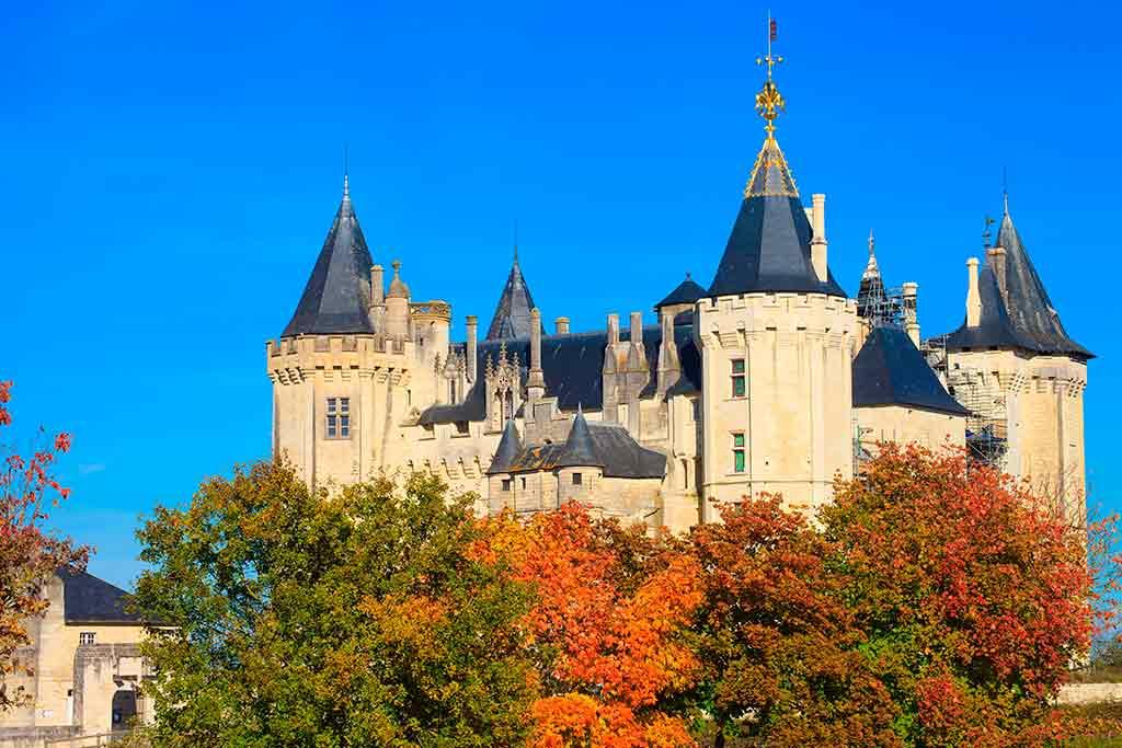 Famous Castles in Loire Valley Château-de-Saumur