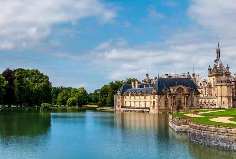 Castles in France Chateau de' Chantilly