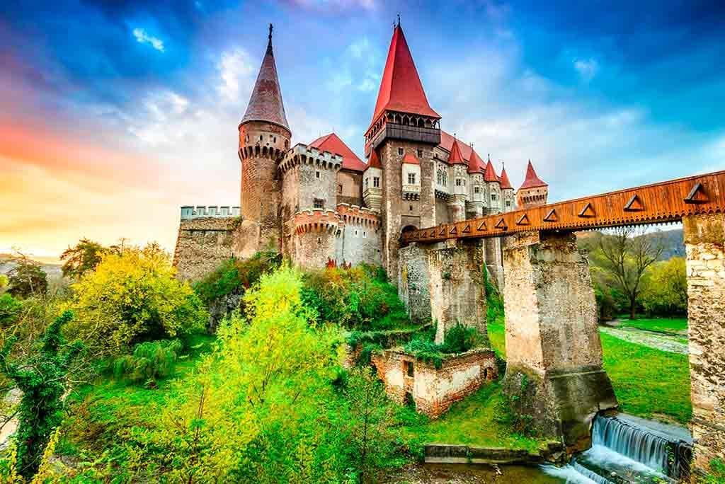 Famous Castles in Romania Corvin-Castle