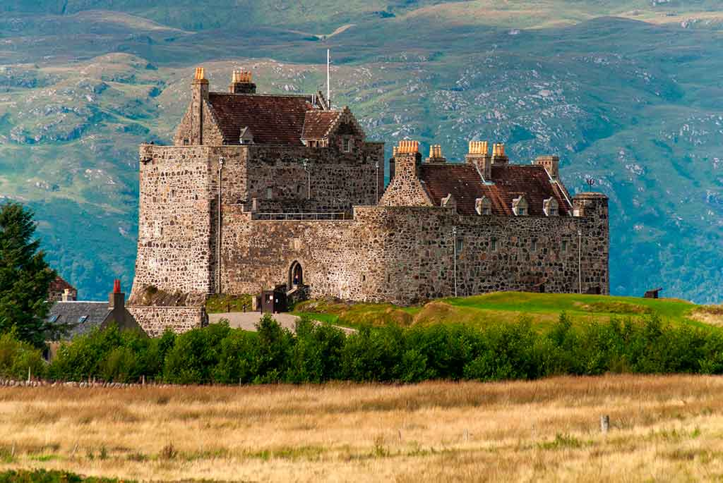 Famous Castles in Scotland DUART-CASTLE