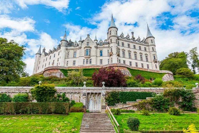Best Scottish Castles DUNROBIN-CASTLE