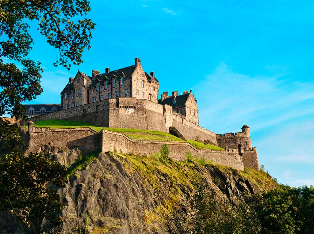Castles in Scotland EDINBURGH-CASTLE