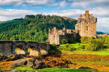 Castles in Scotland EILEAN-DONAN-CASTLE