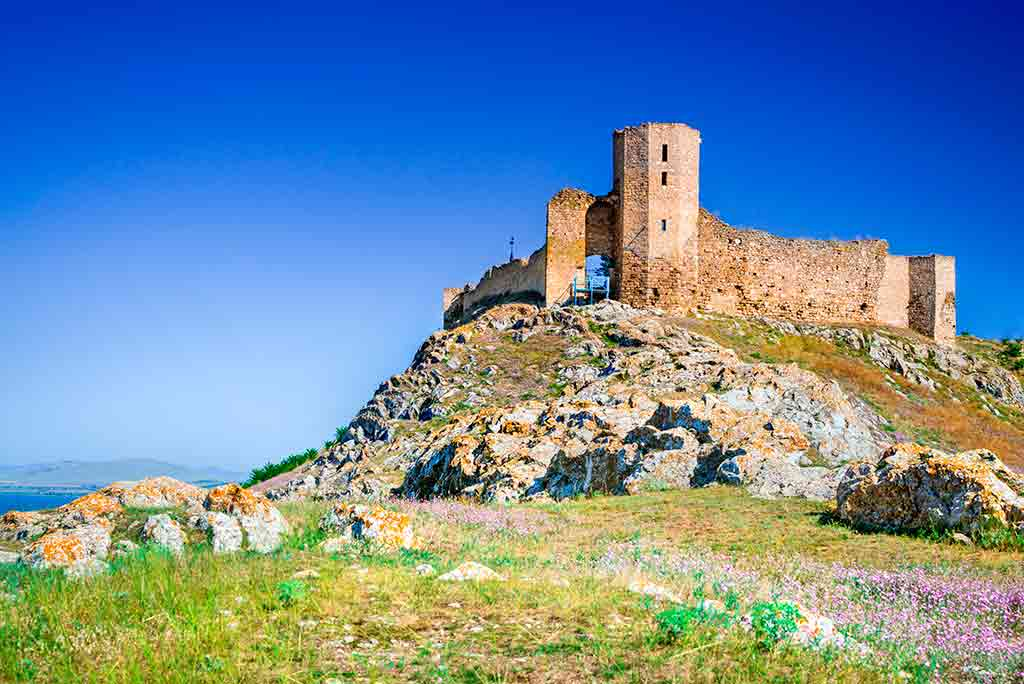 Famous Castles in Romania Enisala-Fortress