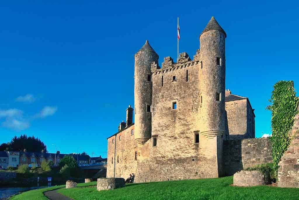 Castles in Ireland Enniskillen-Castle