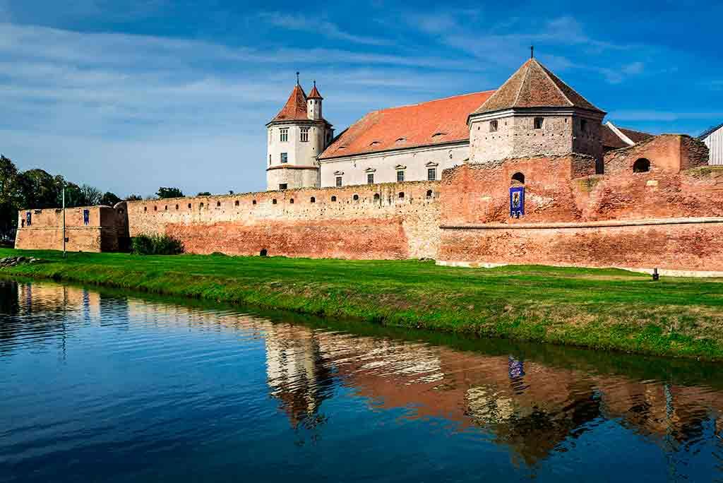 Best castles in Romania Fagaras-Fortress