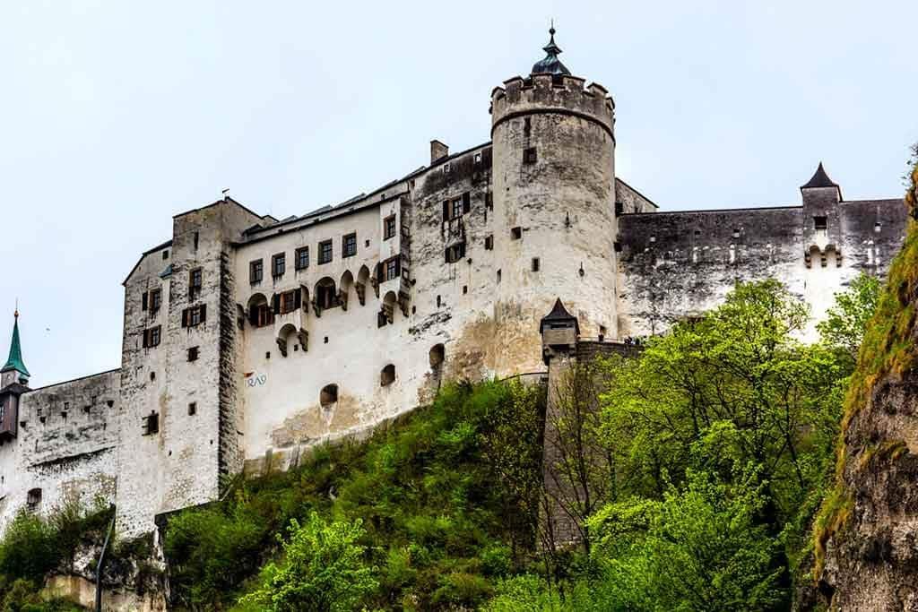 Famous Medieval Castles Festung-Hohensalzburg