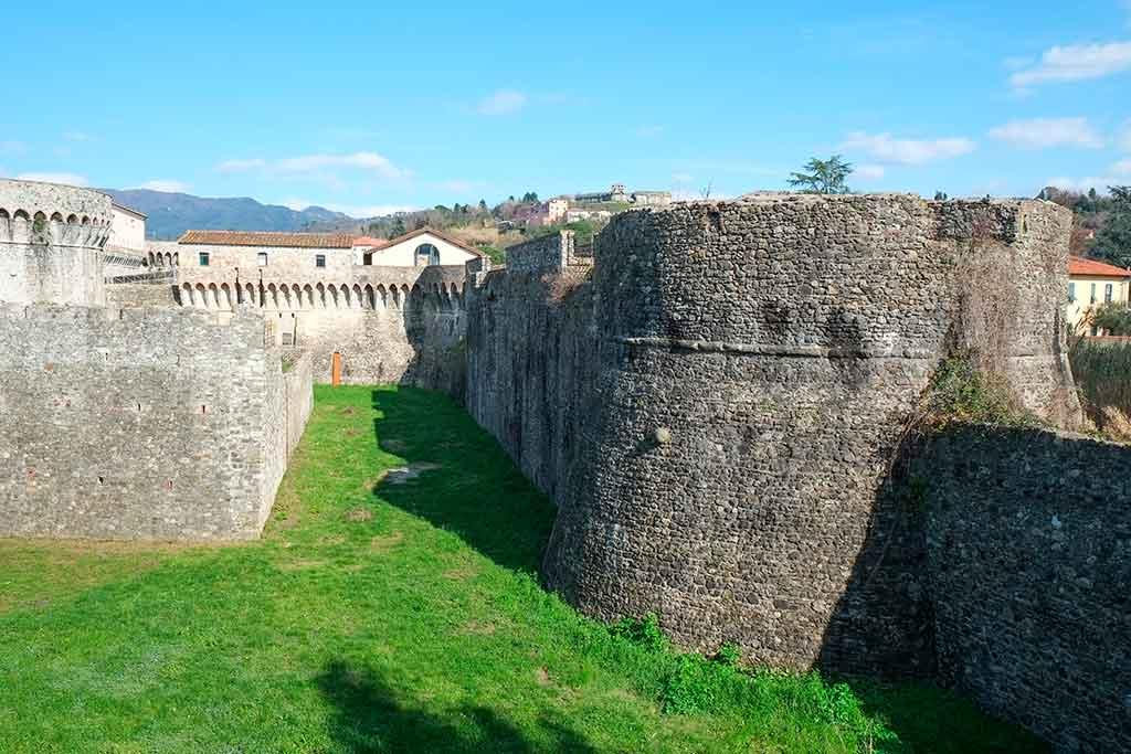 Best Italian Castles Fortezza-di-Sarzanello