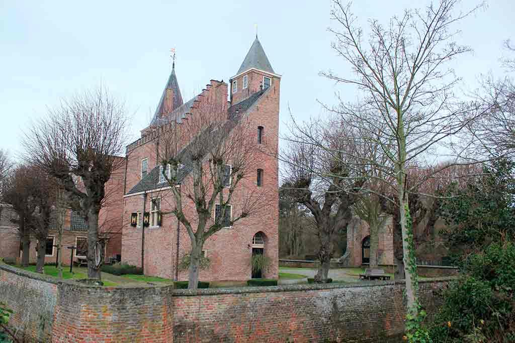 Famous Castles in Netherlands Haamstede-Castle