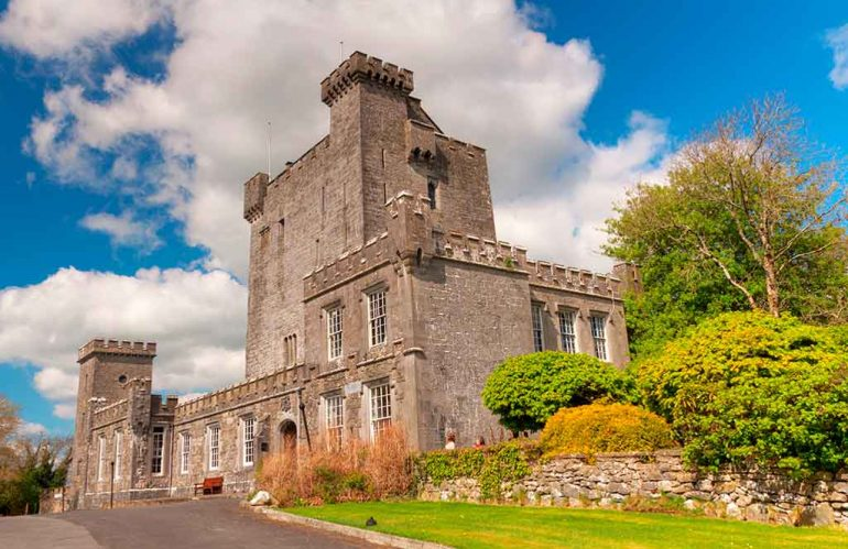 Best Castles in Ireland Knappogue-Castle