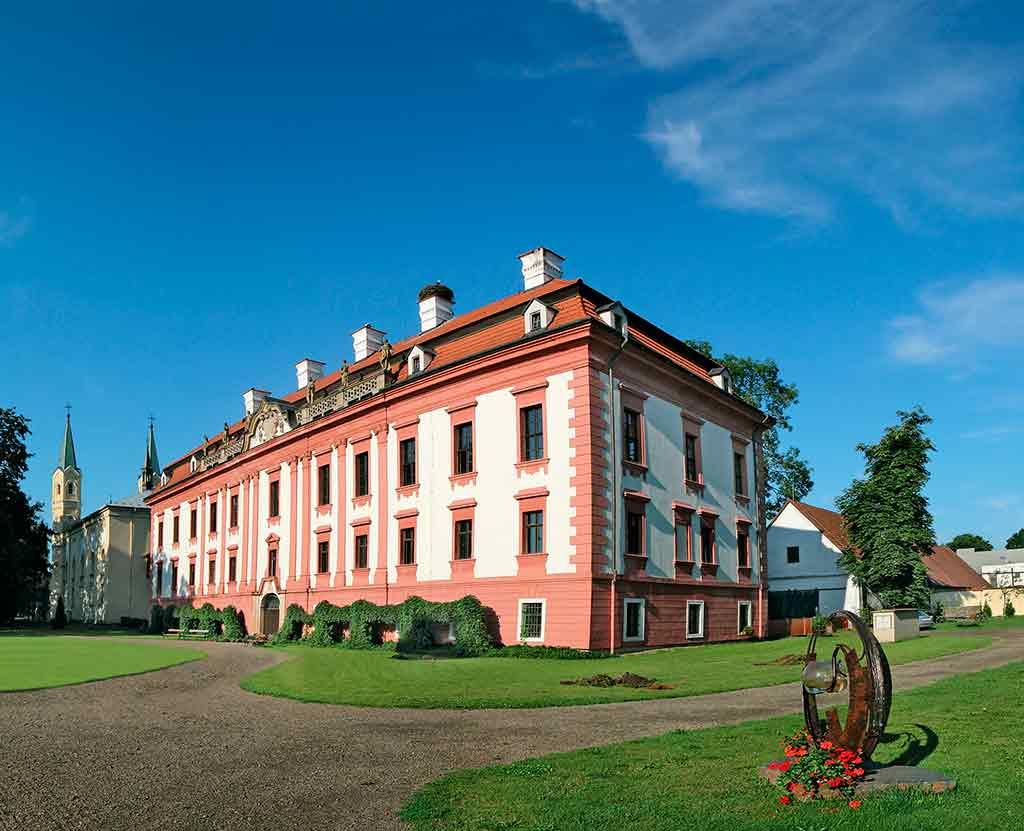 Best Czech Castles Kunin