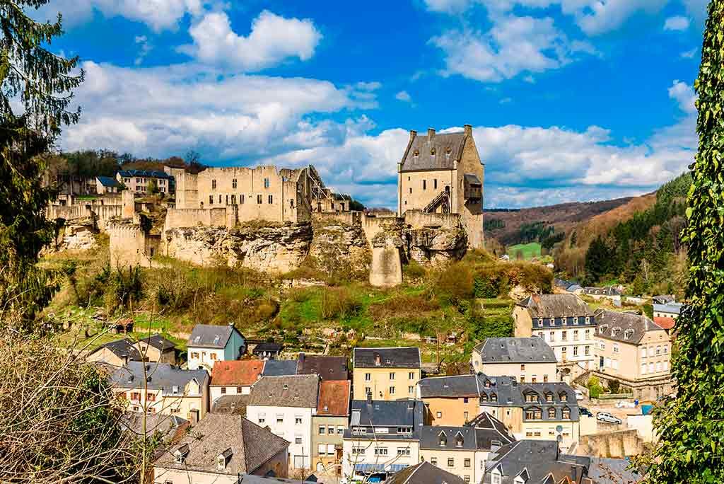 Luxembourger Castles Larochette-Castle