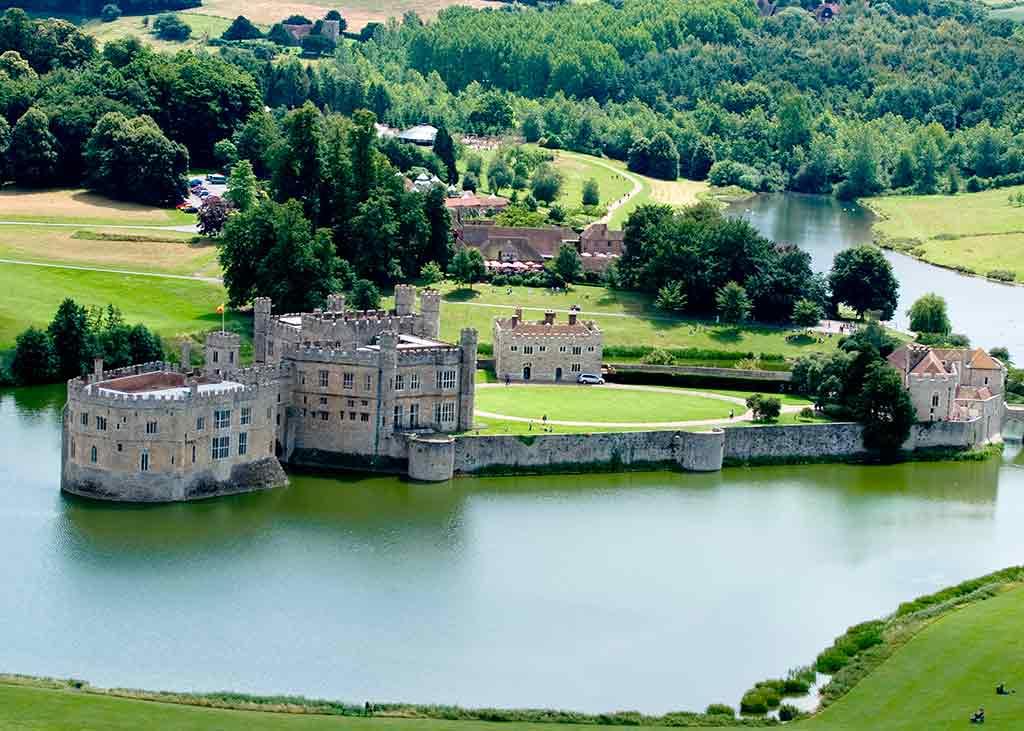 Famous Castles in England Leeds Castle