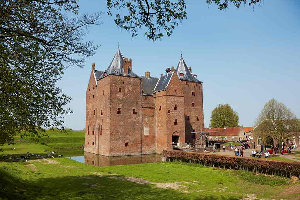 Castles in Netherlands Loevestein-Castle