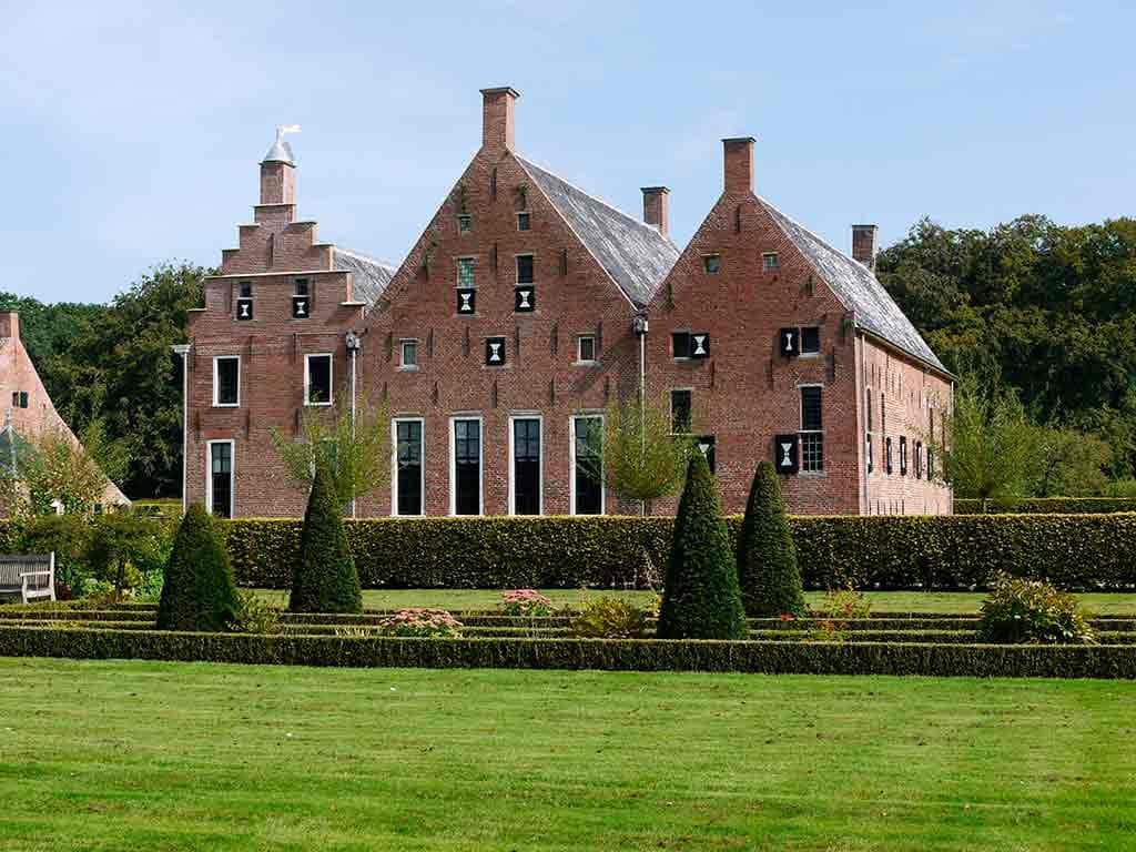 Best castles in Netherlands Menkemaborg