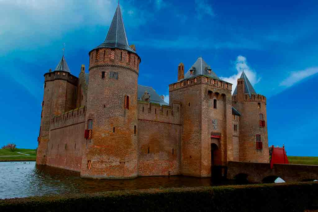 Castles in Netherlands Muider-Castle
