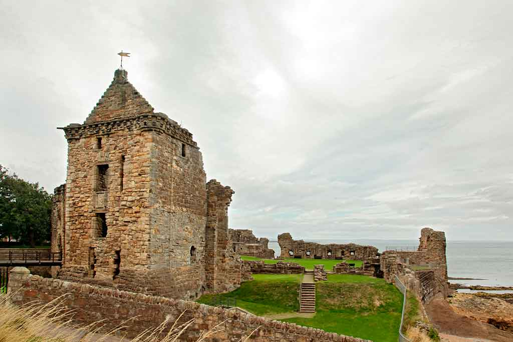 Best Scottish Castles ST-ANDREWS-CASTLE