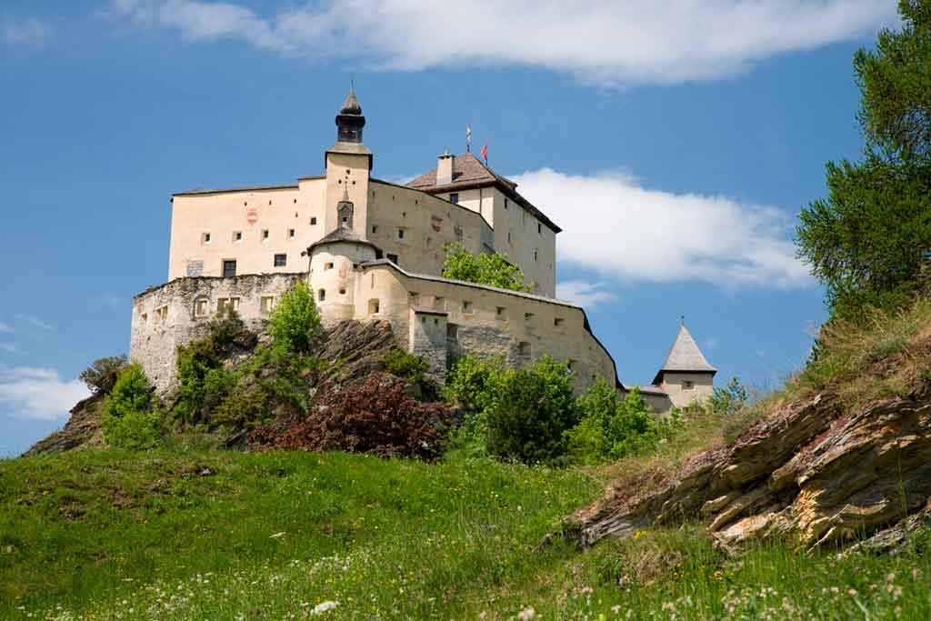 Best Medieval Castles Schloss-Tarasp