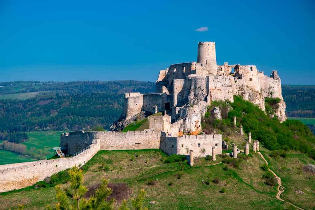 Famous Medieval Castles Spišský-Hrad